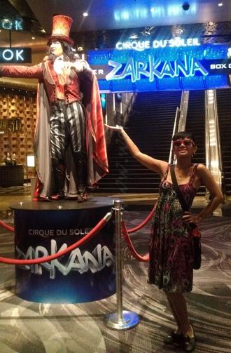 Zarkana - Statue Entrance
