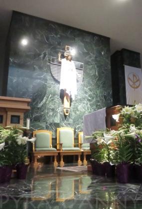Cross at St. Elizabeth Seton in Naples