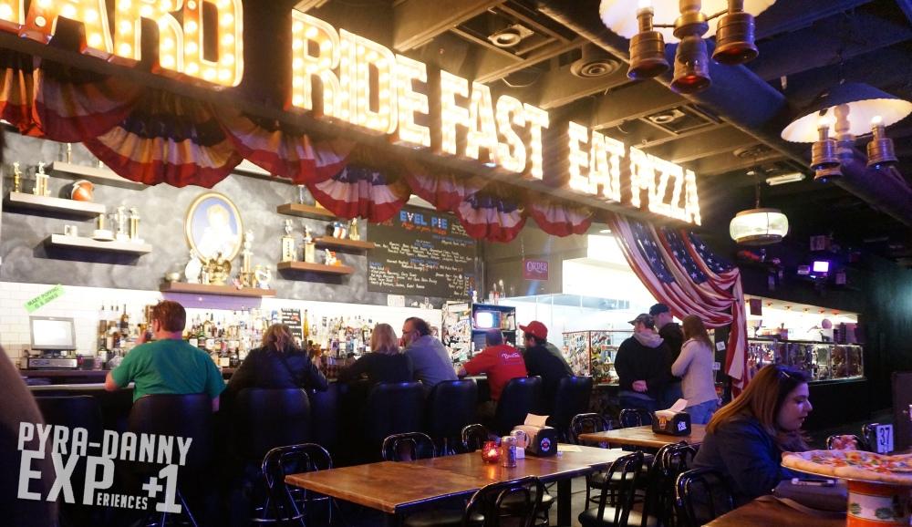 VegasFood02 Evel Pie - insides